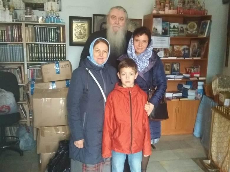 Прихожане доставили благотворительную помощь в приют «Добрый самарянин»