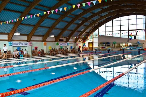 В «Самбо-70» продолжается набор детей в секции по плаванию